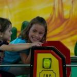 Die Tingelbahn dreht mit Emilia und Mia eine Runde